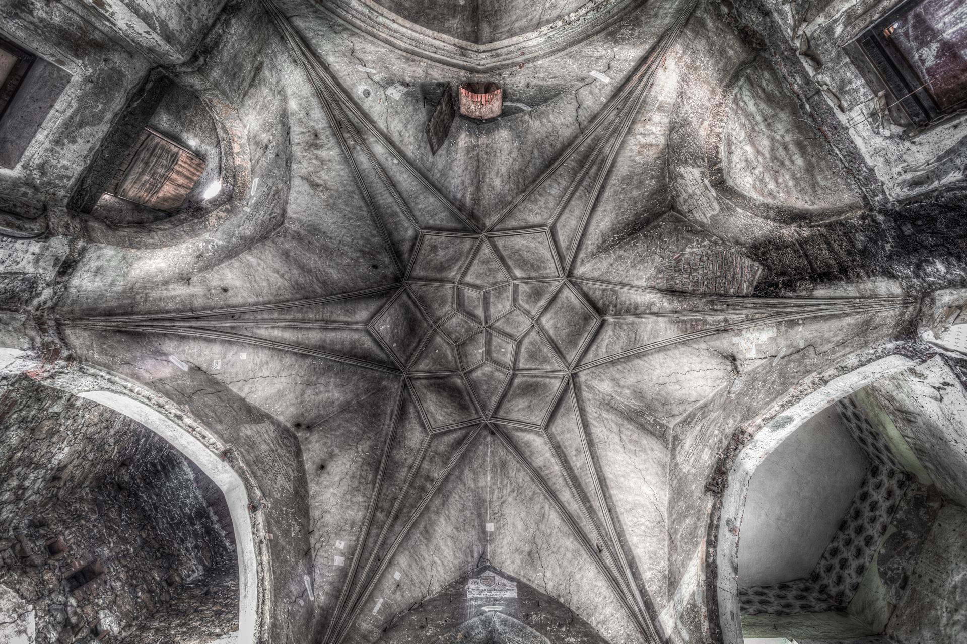 Urbex - Chapel Gothica - Starry Sky