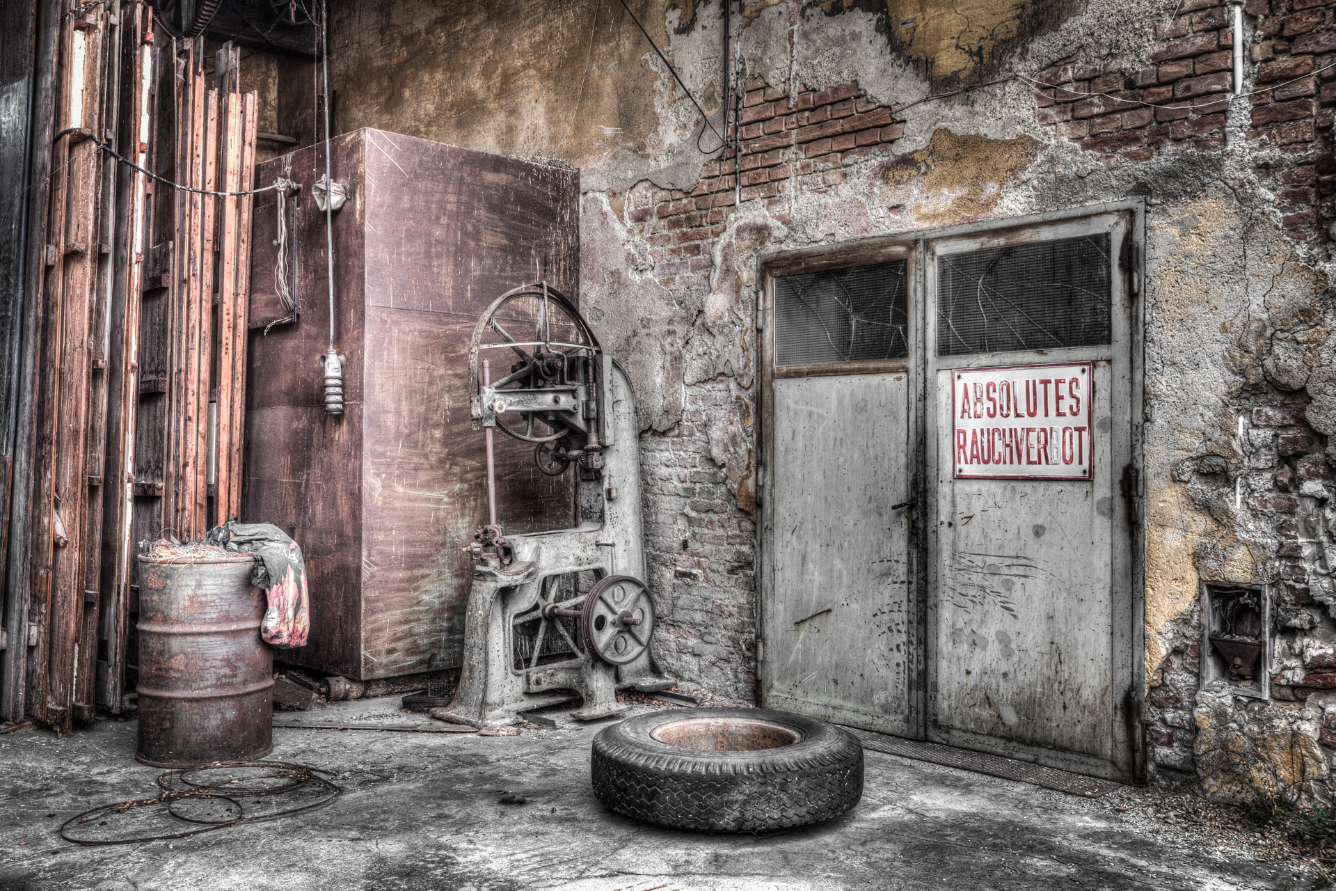 Urbex - Factory Watchtower - No Smoking