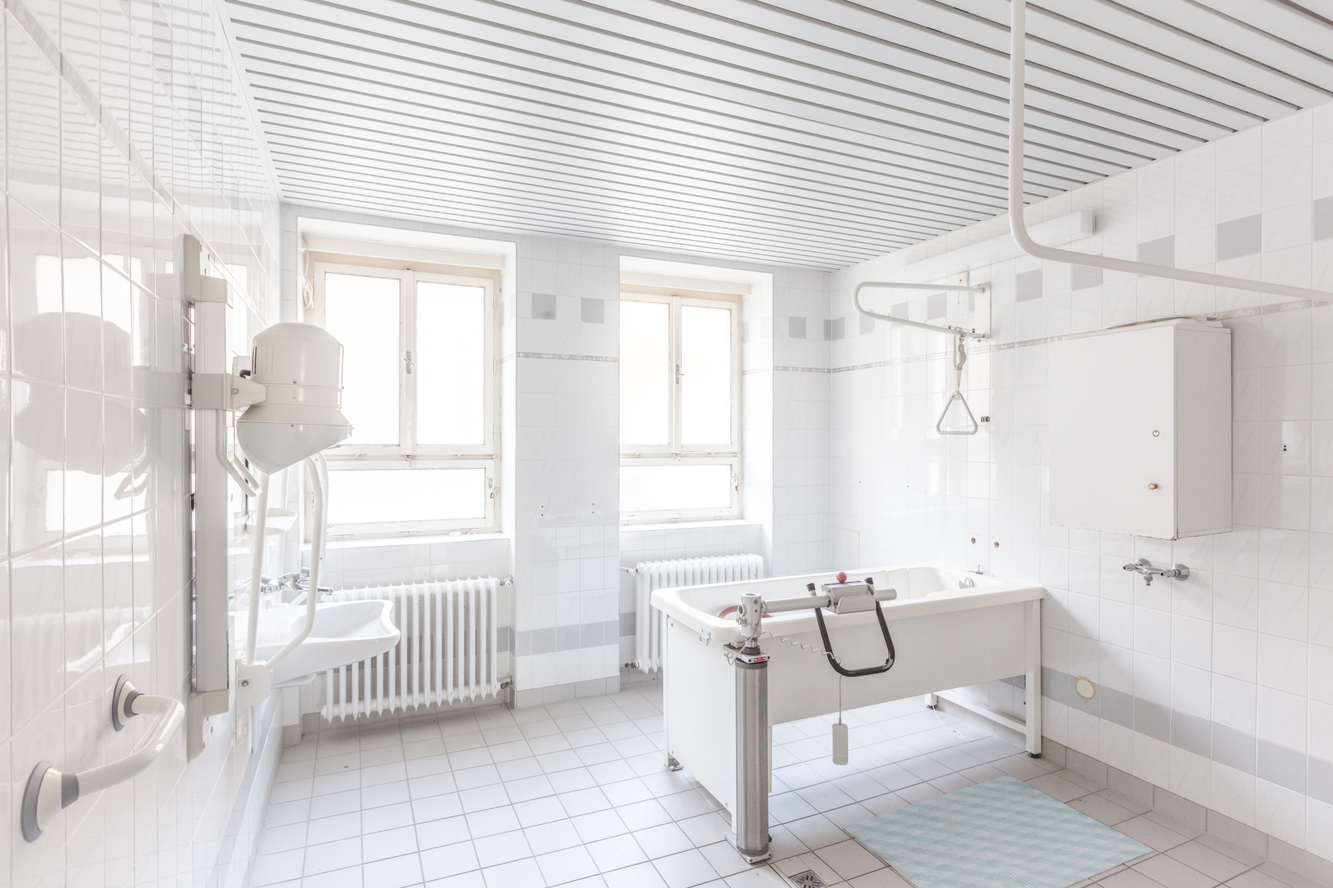 Urbex - Klinikum Panorama - Tub Room 01