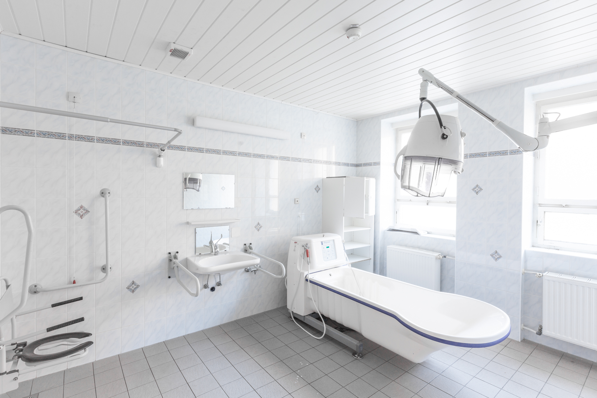 Urbex - Klinikum Panorama - Tub Room 02