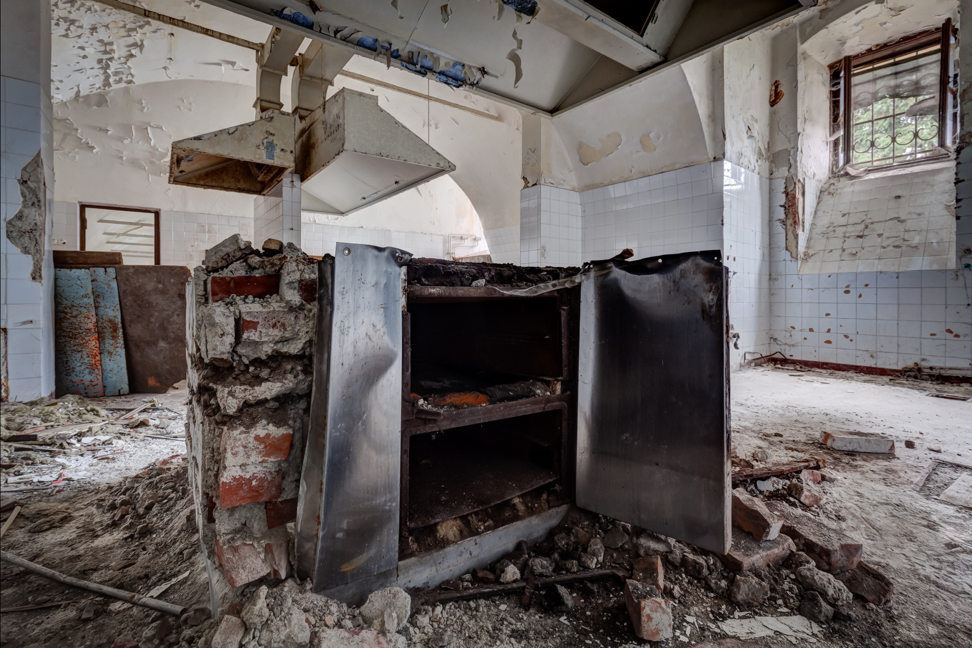 Urban Exploration - Villa Visage - Cold Cooker