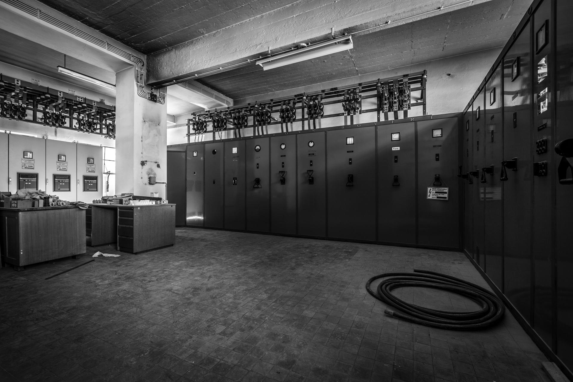 Urban Exploration - Voltage Venue - Vintage Voltage