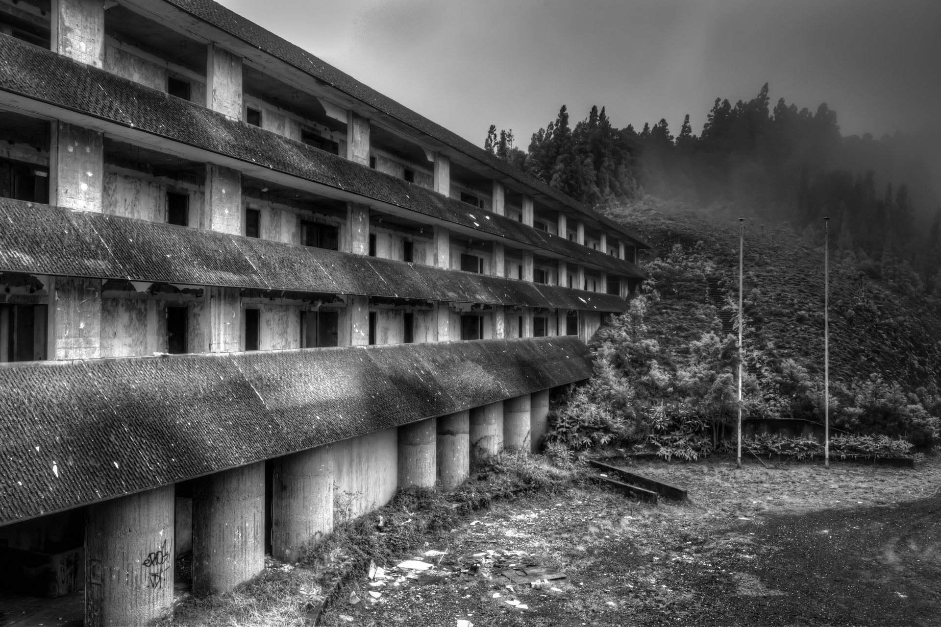 Urbex - Hotel Monte Palace - Weather Walls
