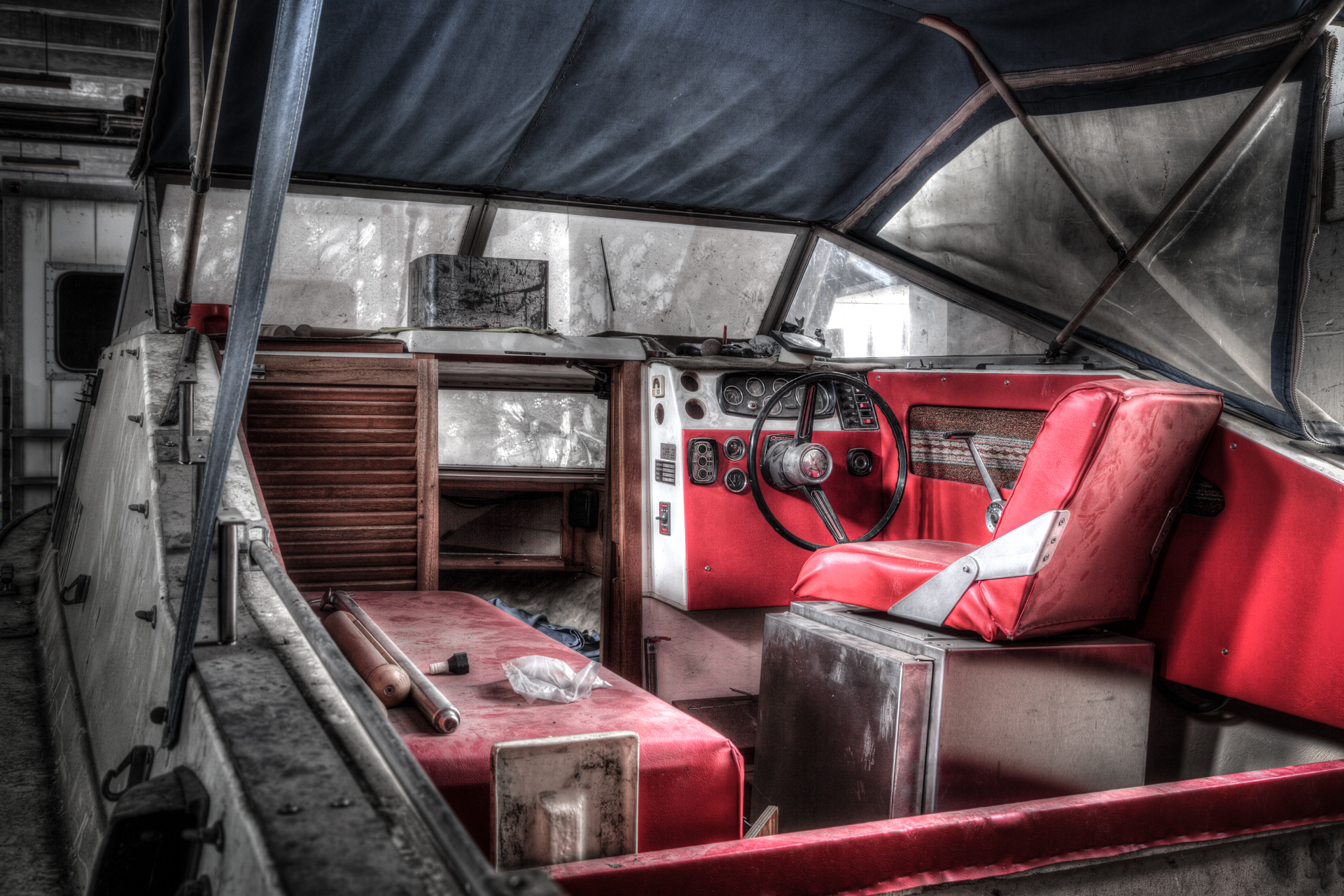 Urban Exploration - Villa Vehicle - At Anchor