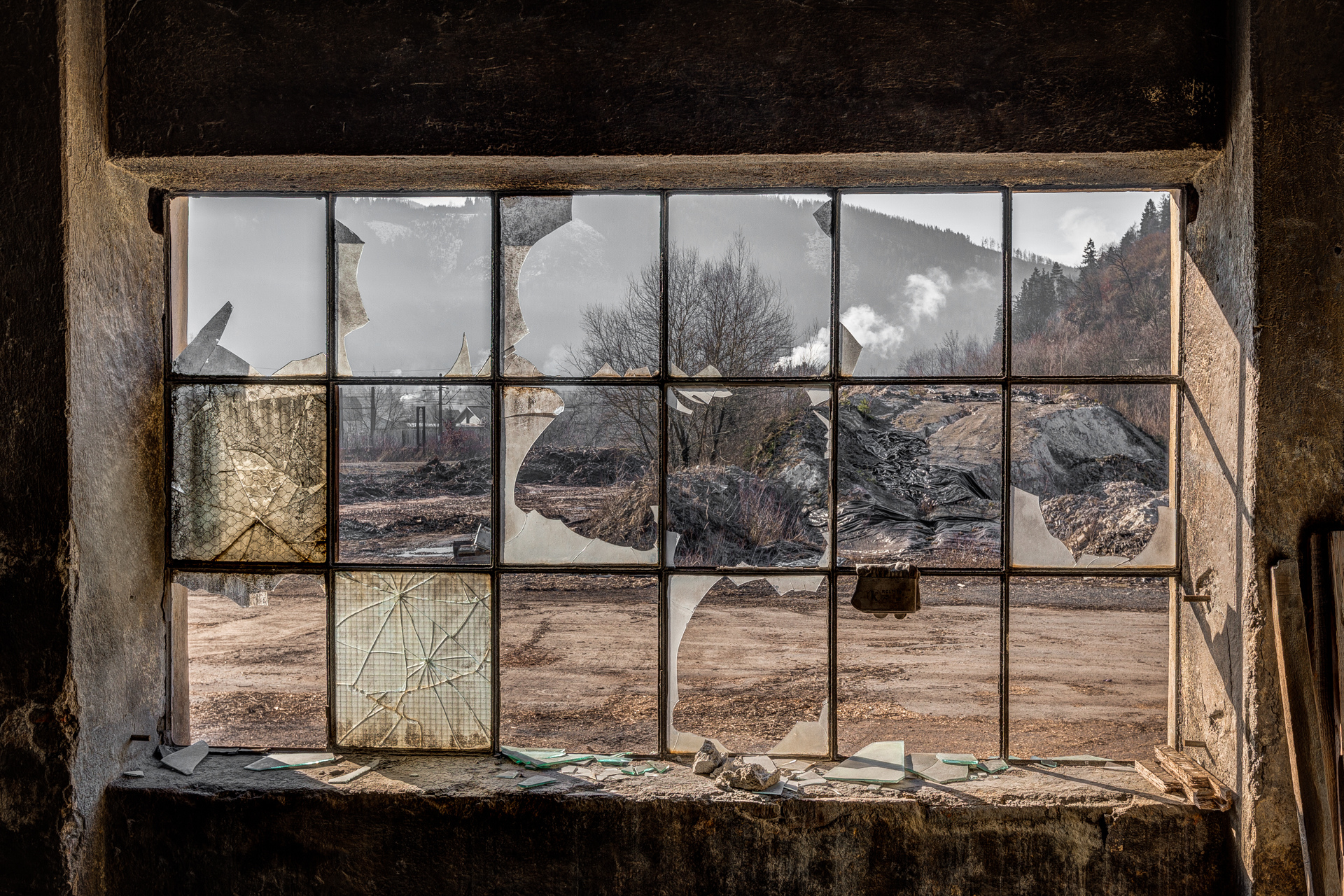 Urban Exploration - Furnace Factory - Desert Window