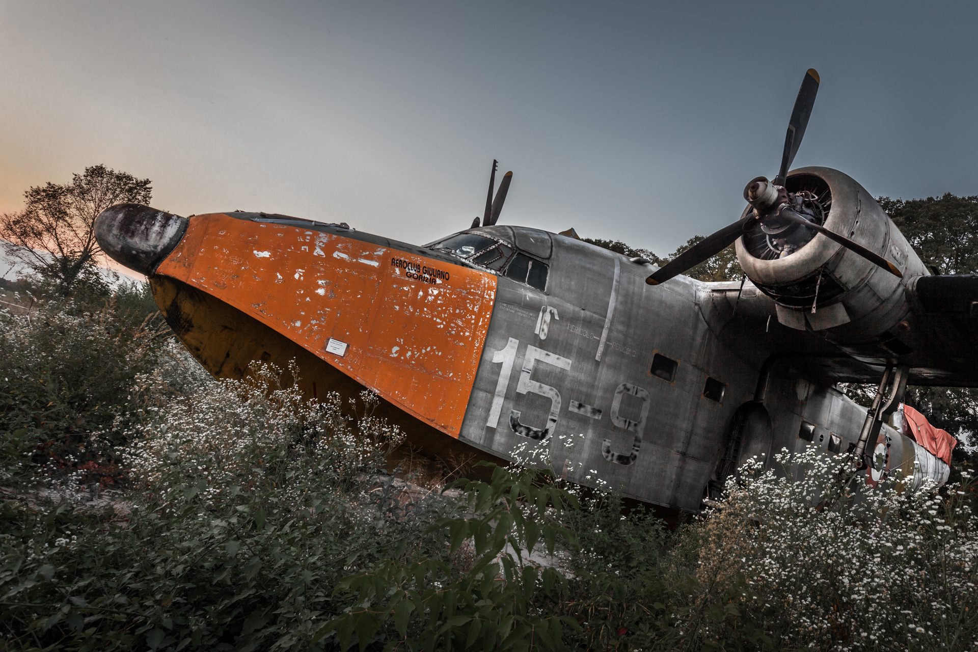Urban Exploration - Airbase Confeccio - Longing for the Sky