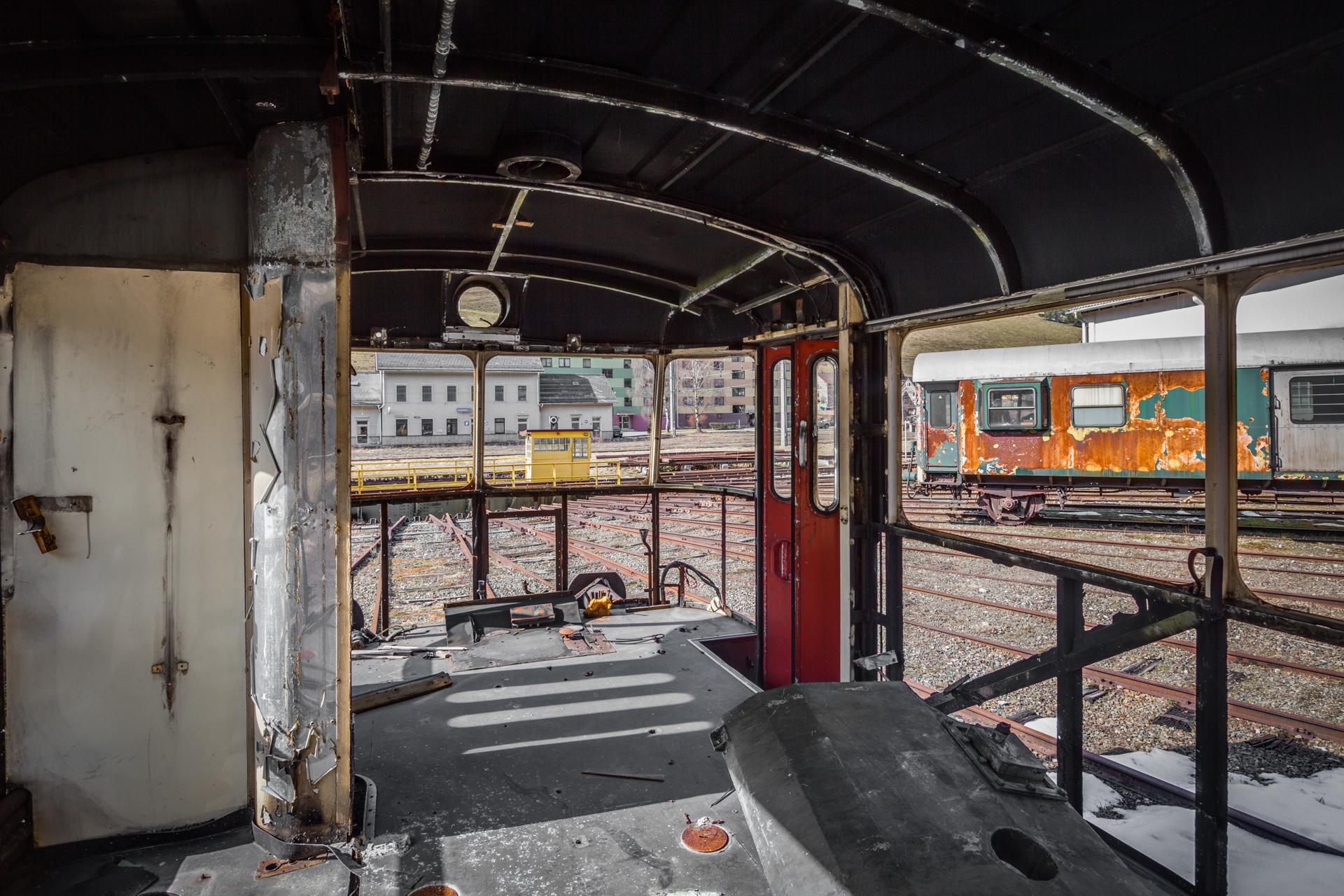 Urban Exploration - Turntable Station - Skeleton Train