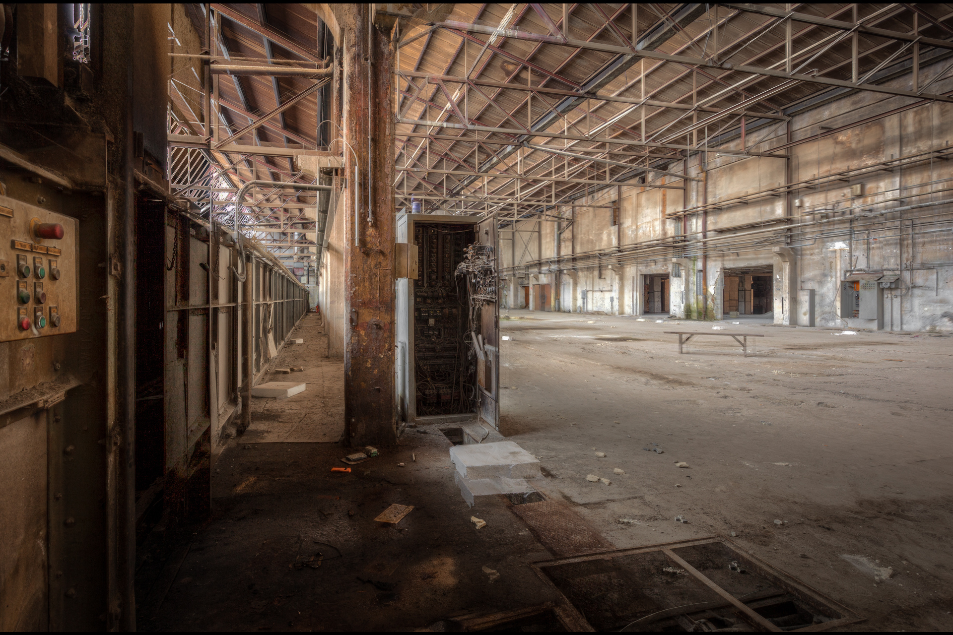 Urban Exploration - Furnace Factory - Steel Alley