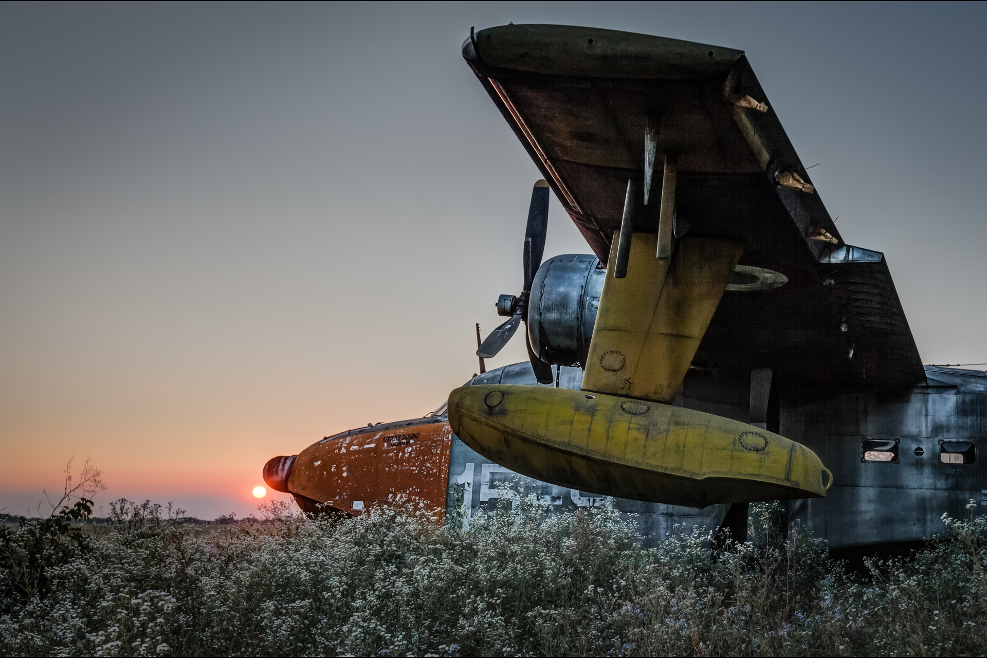 Urban Exploration - Airbase Confeccio - Sunset Dreams