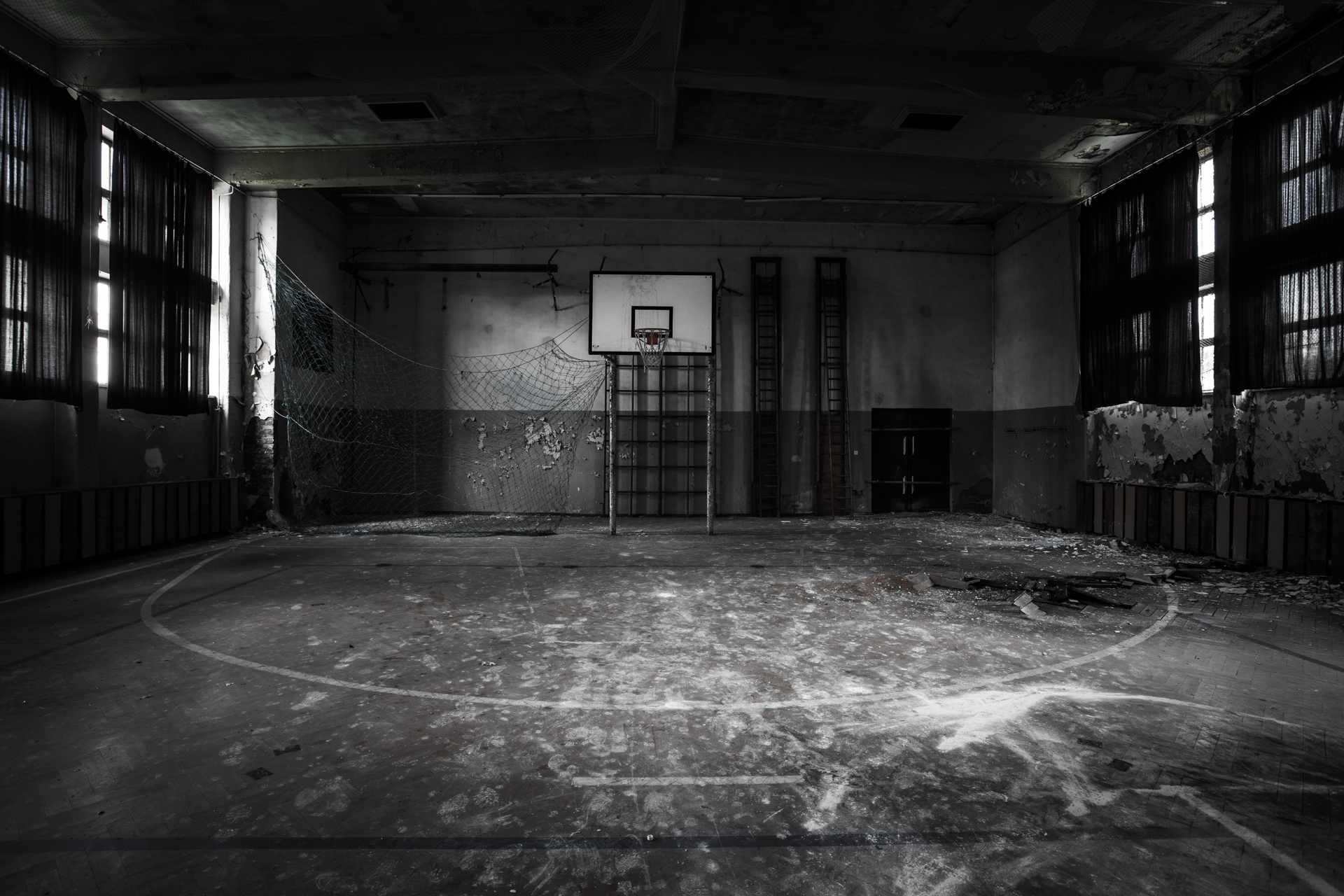 Urban Exploration - Soldier School - The Empty Gym