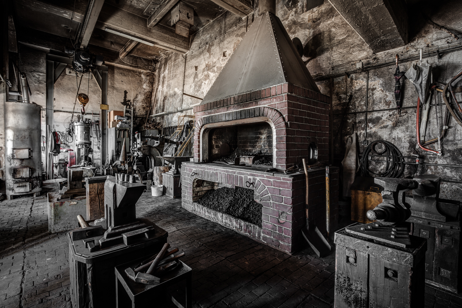 Urban Exploration - The Blacksmith - Blacksmith Workshop