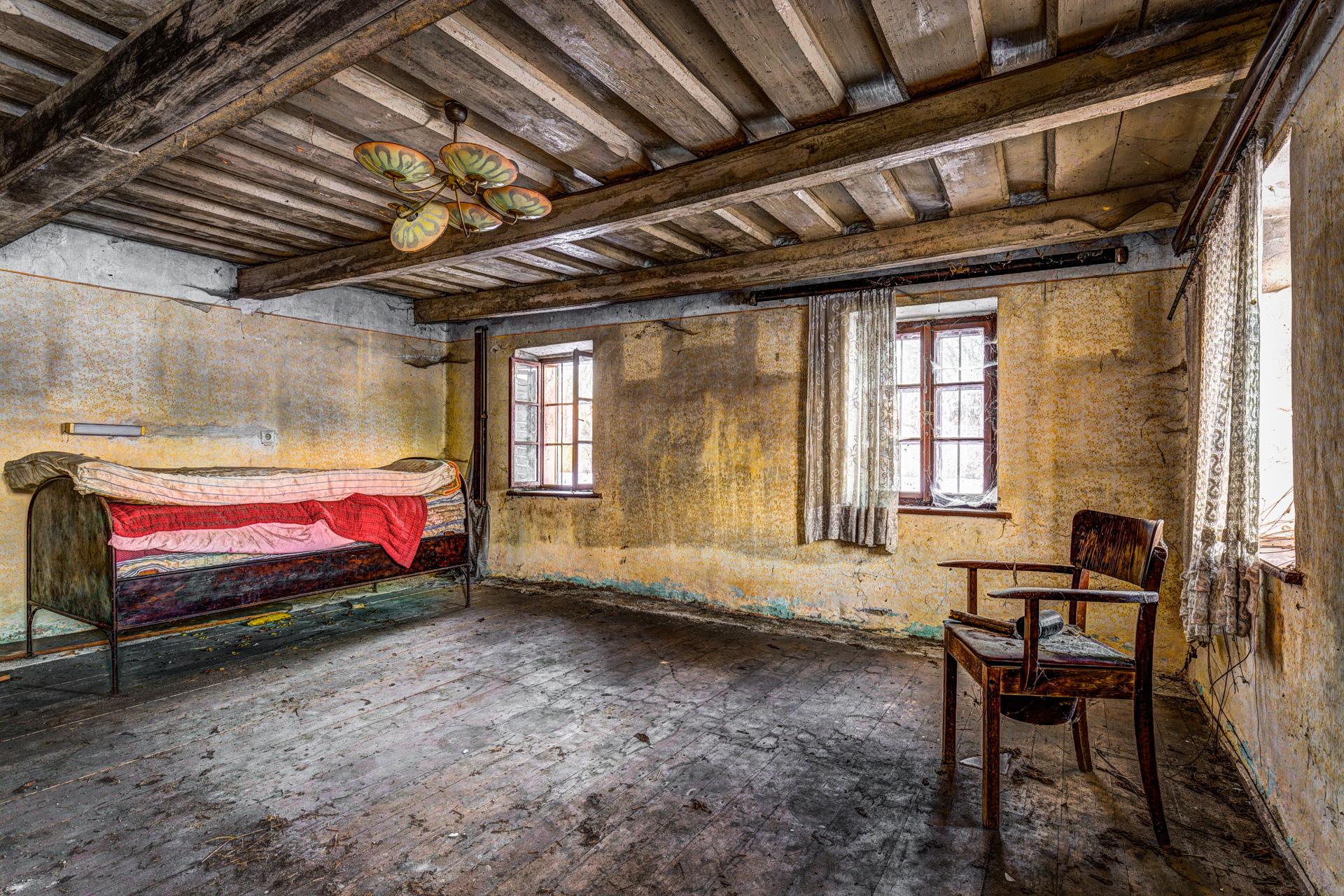 Urban Exploration - Farmhouse Bed and Breakfast - Commode