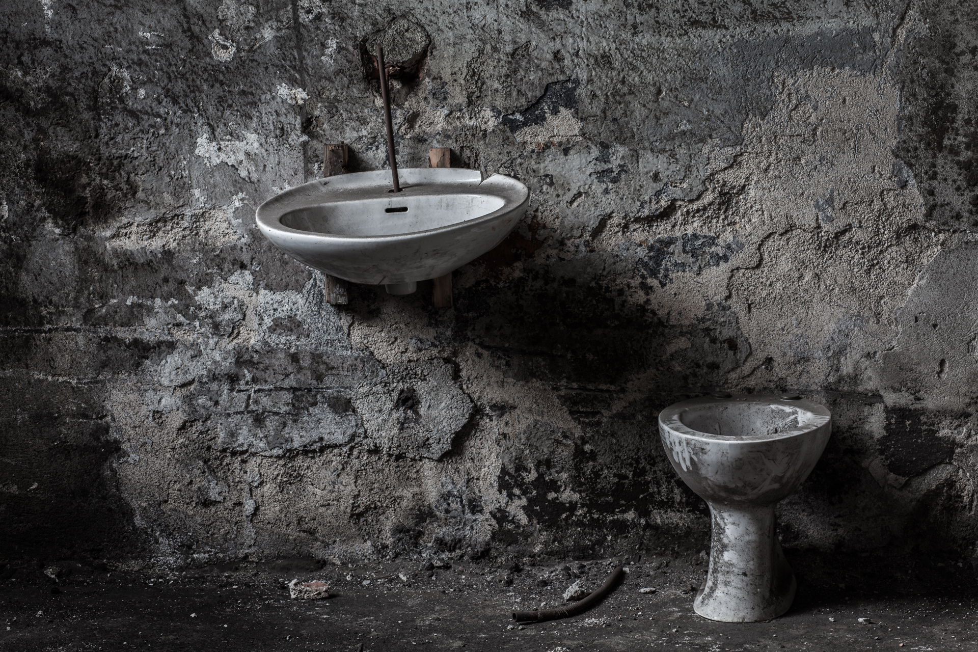 Urban Exploration - Railway Mortuary - Sanitation