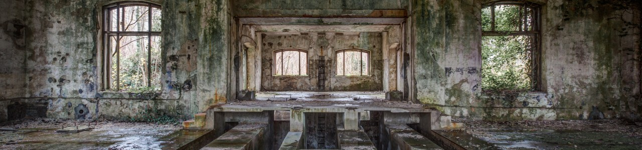 Urban Exploration - Bog Palace - Wet Works