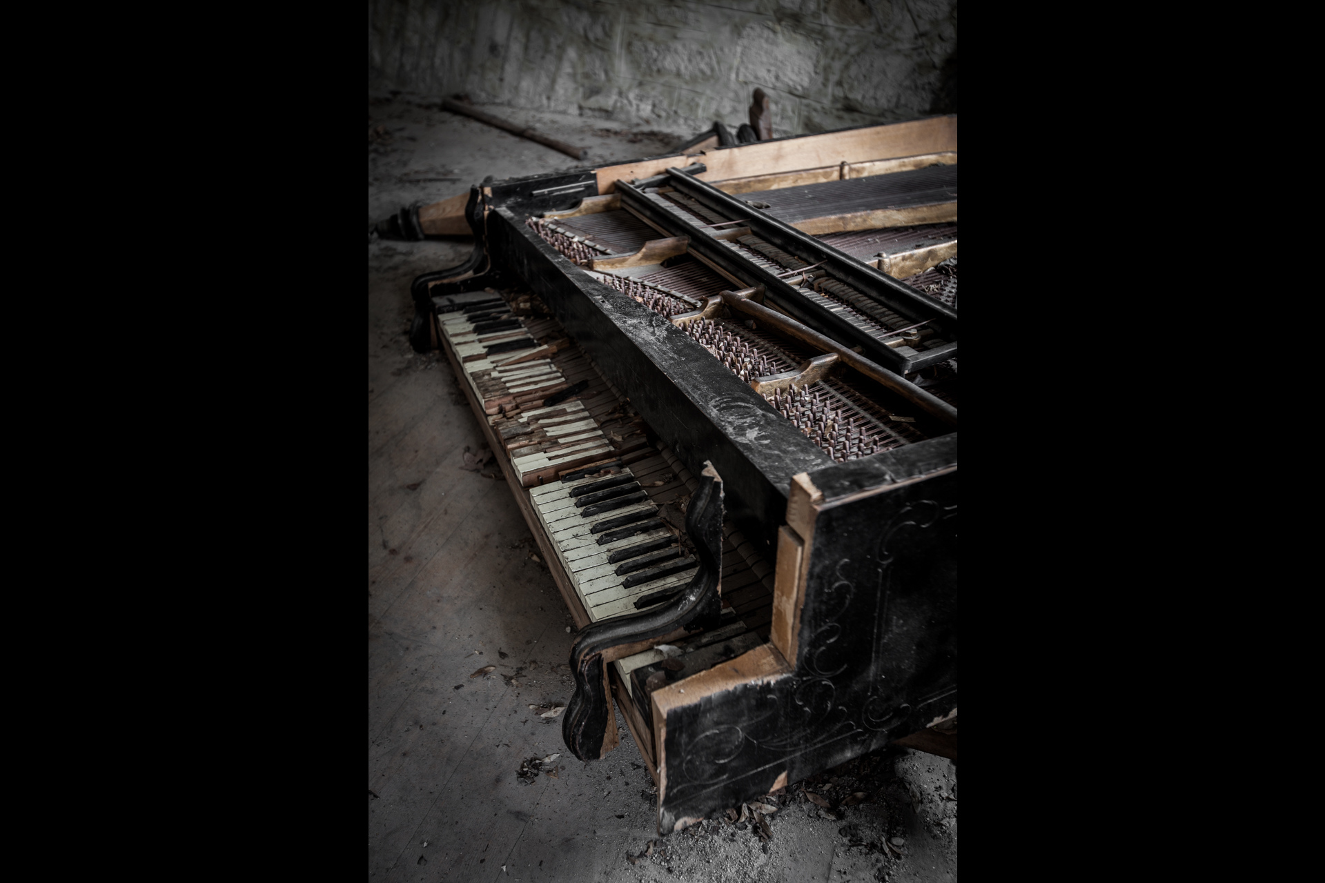 Urban Exploration - Grand Piano Weaving Mill - Fatigue