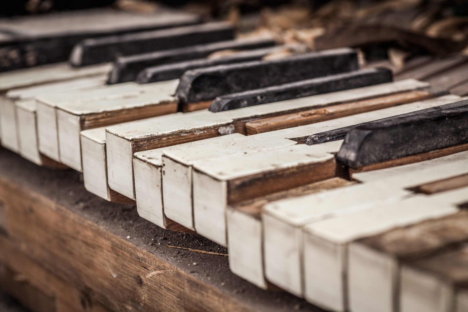 Urban Exploration - Grand Piano Weaving Mill - Final Chord