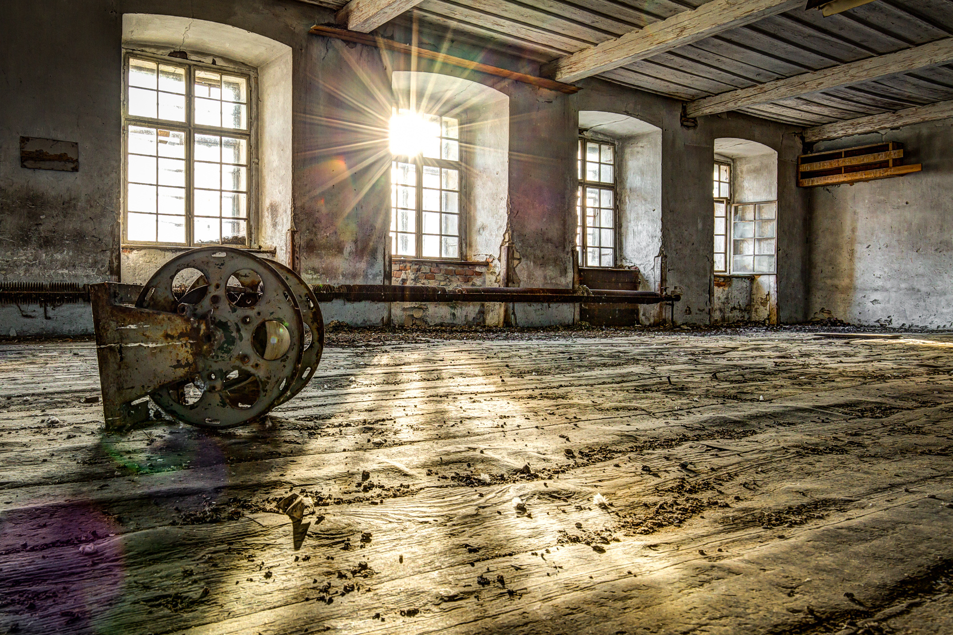 Urban Exploration - Grand Piano Weaving Mill - Let the Sunshine in