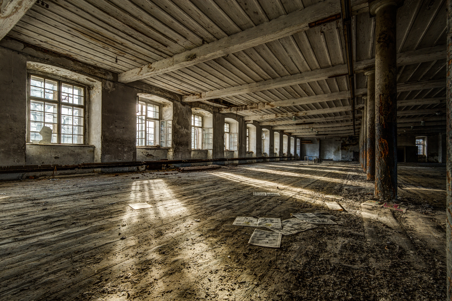 Urban Exploration - Grand Piano Weaving Mill - Sunny Afternoon