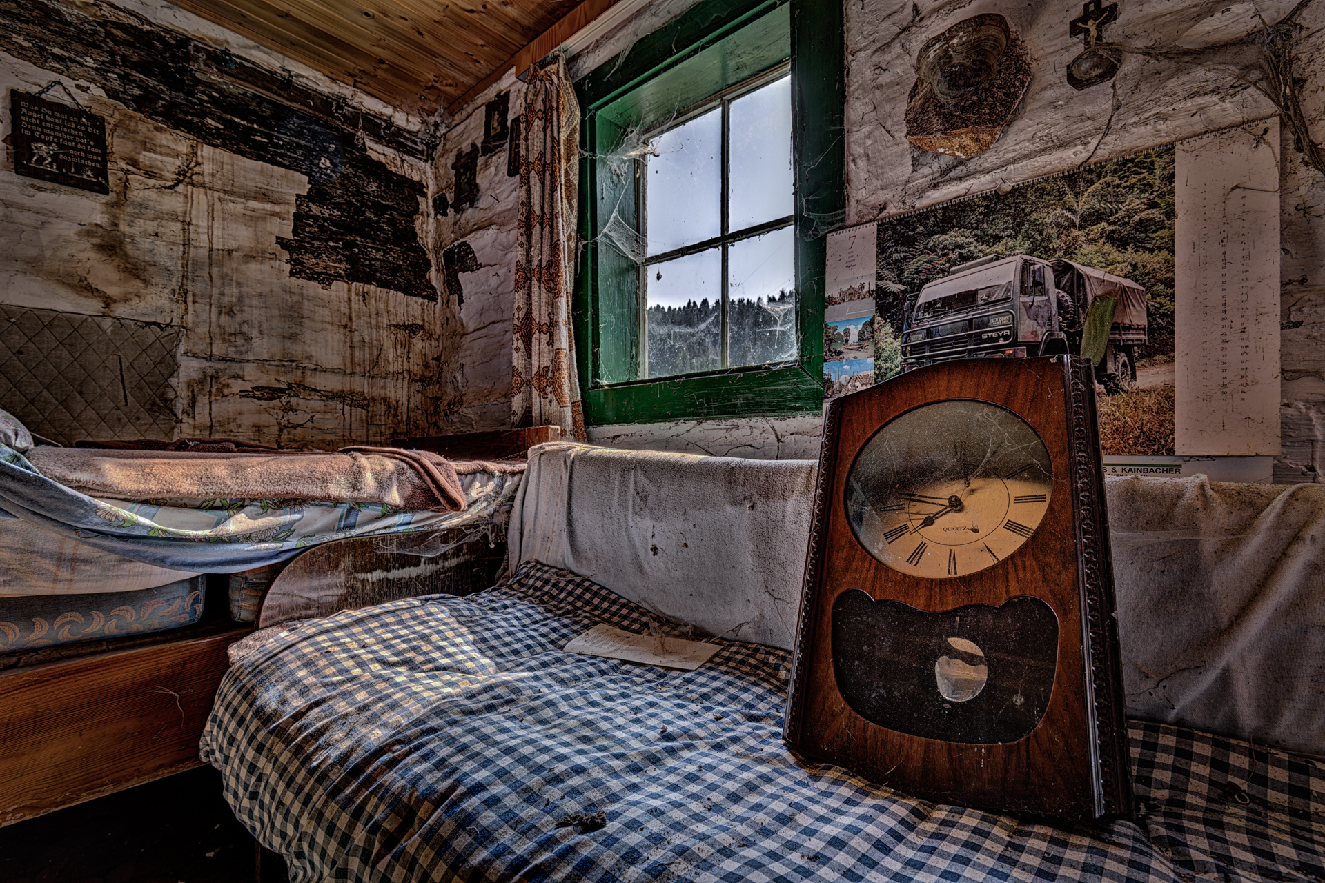 Urban Exploration - Lottery Farmhouse - Time is Up