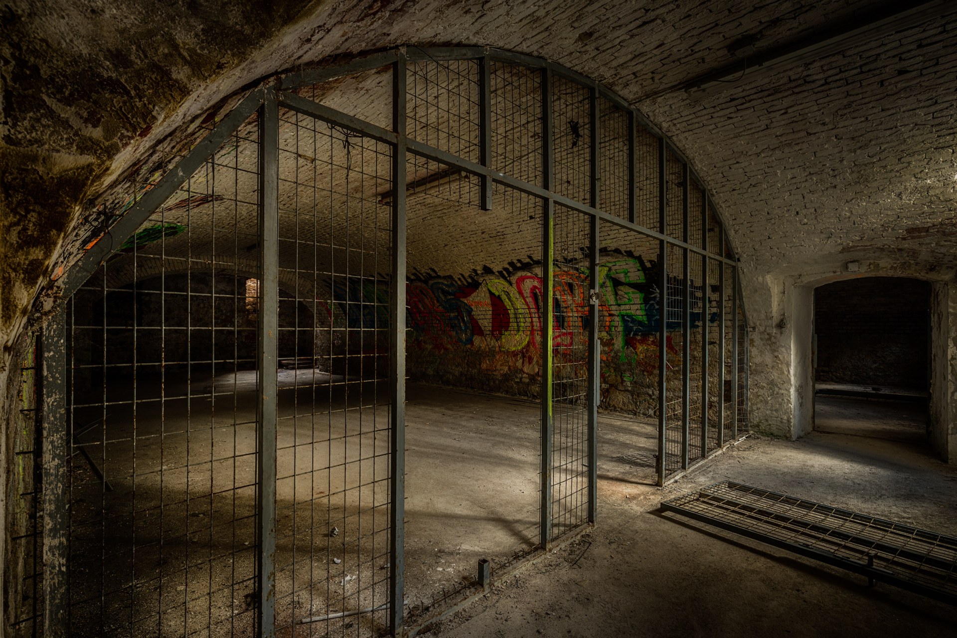 Urban Exploration - Military Peace - Prison Break
