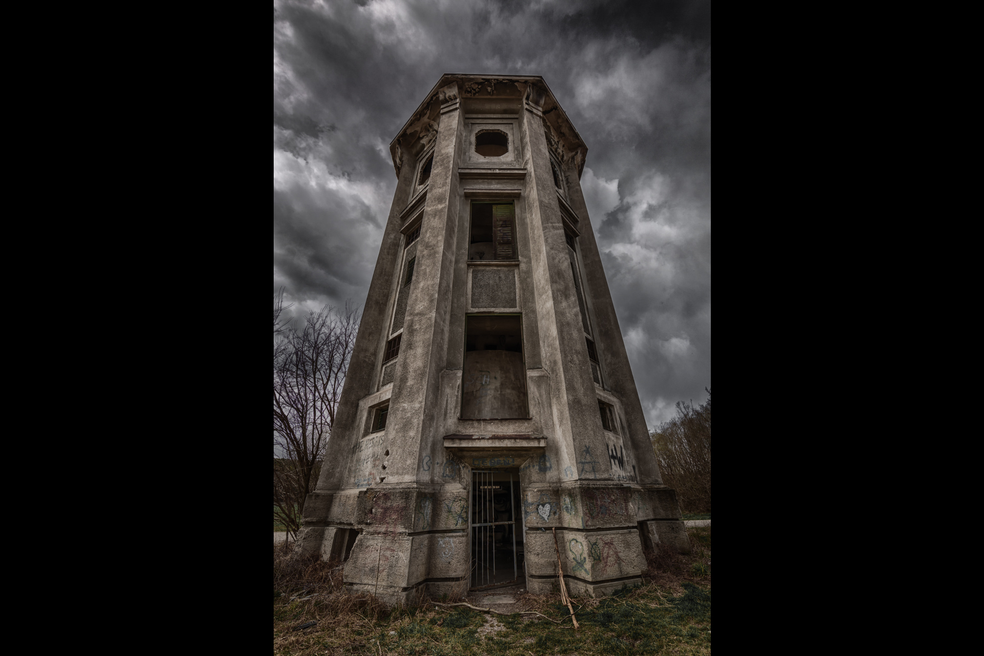 Urban Exploration - Tyre Tower - The Tyre Tower