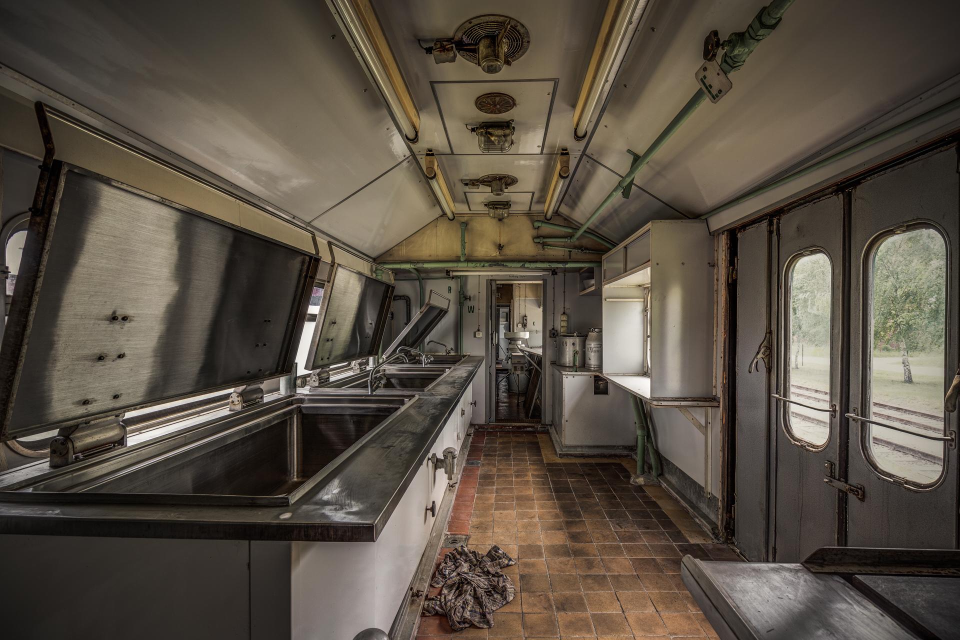 Urban Exploration - The MASH Train - Mobile Morgue