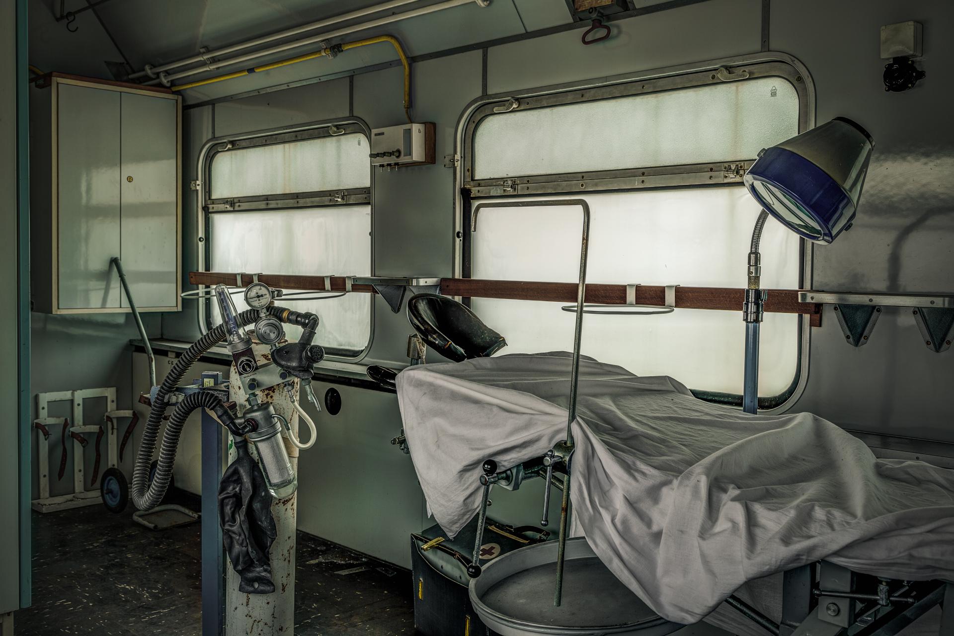 Urban Exploration - The MASH Train - Survive