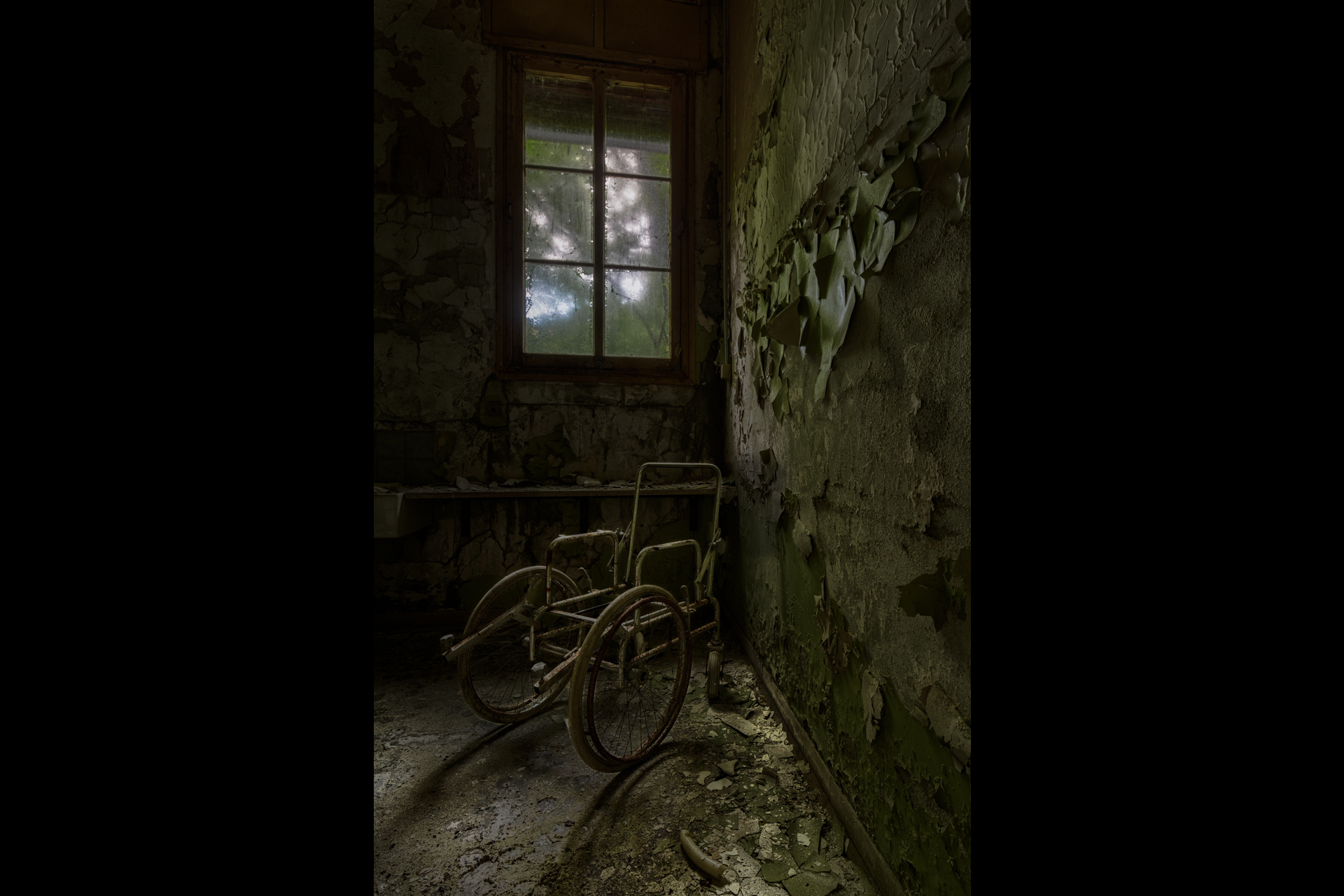 Urban Exploration - Manicomio Di Anime - Wheelchair Ghost