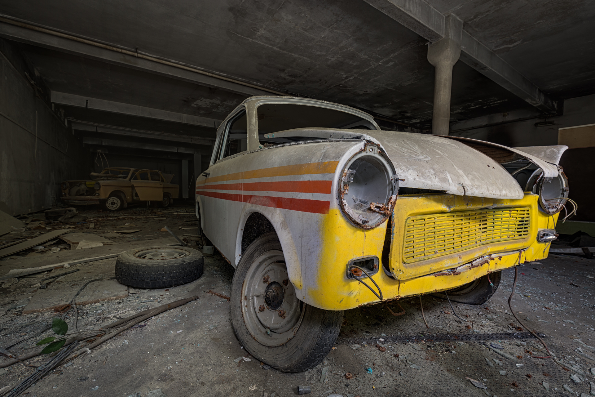 Urban Exploration - VAB Trabant - Icons of the Past
