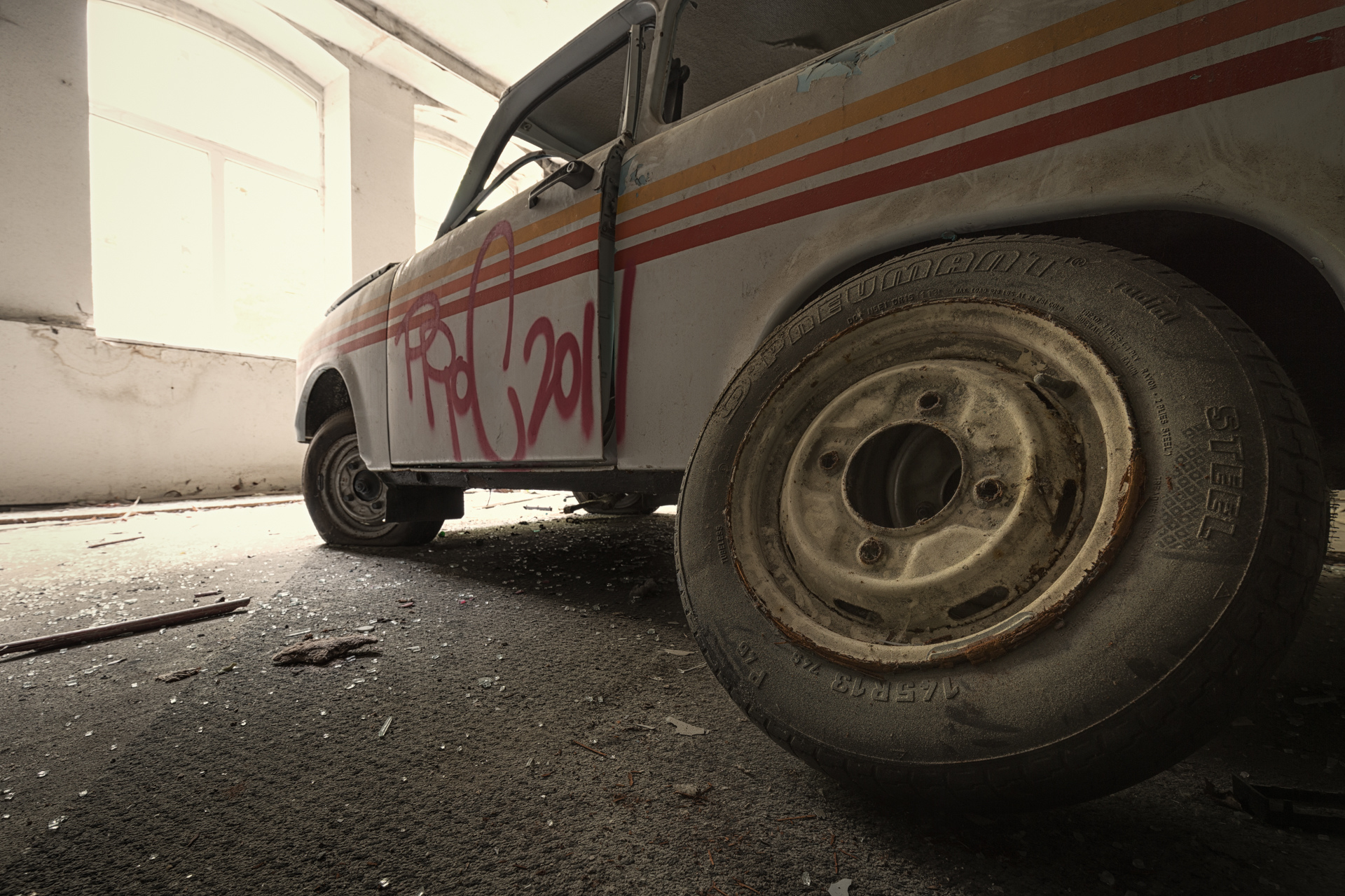 Urban Exploration - VAB Trabant - Spare Wheel