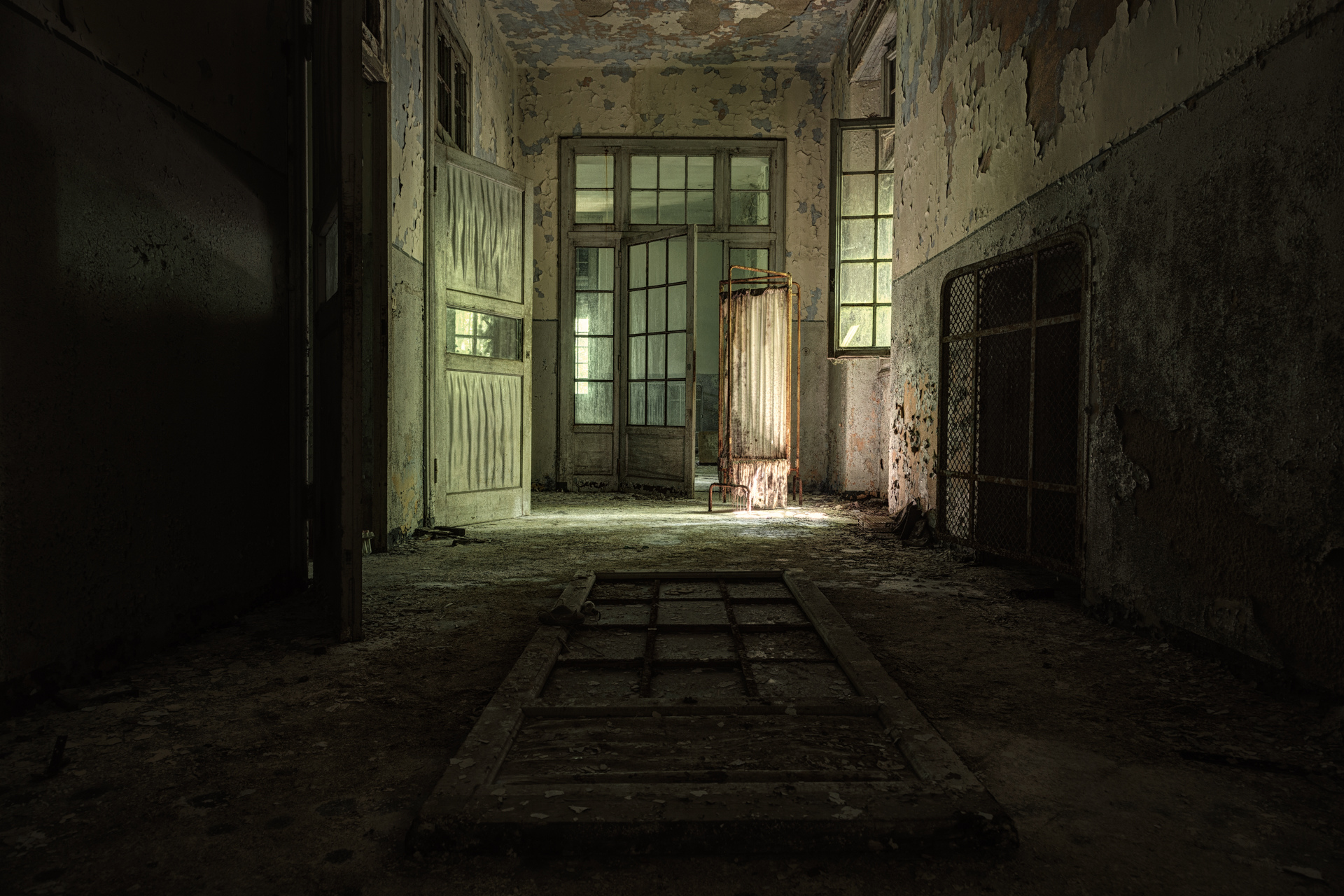 Urban Exploration - Manicomio Vendetta - Break Free