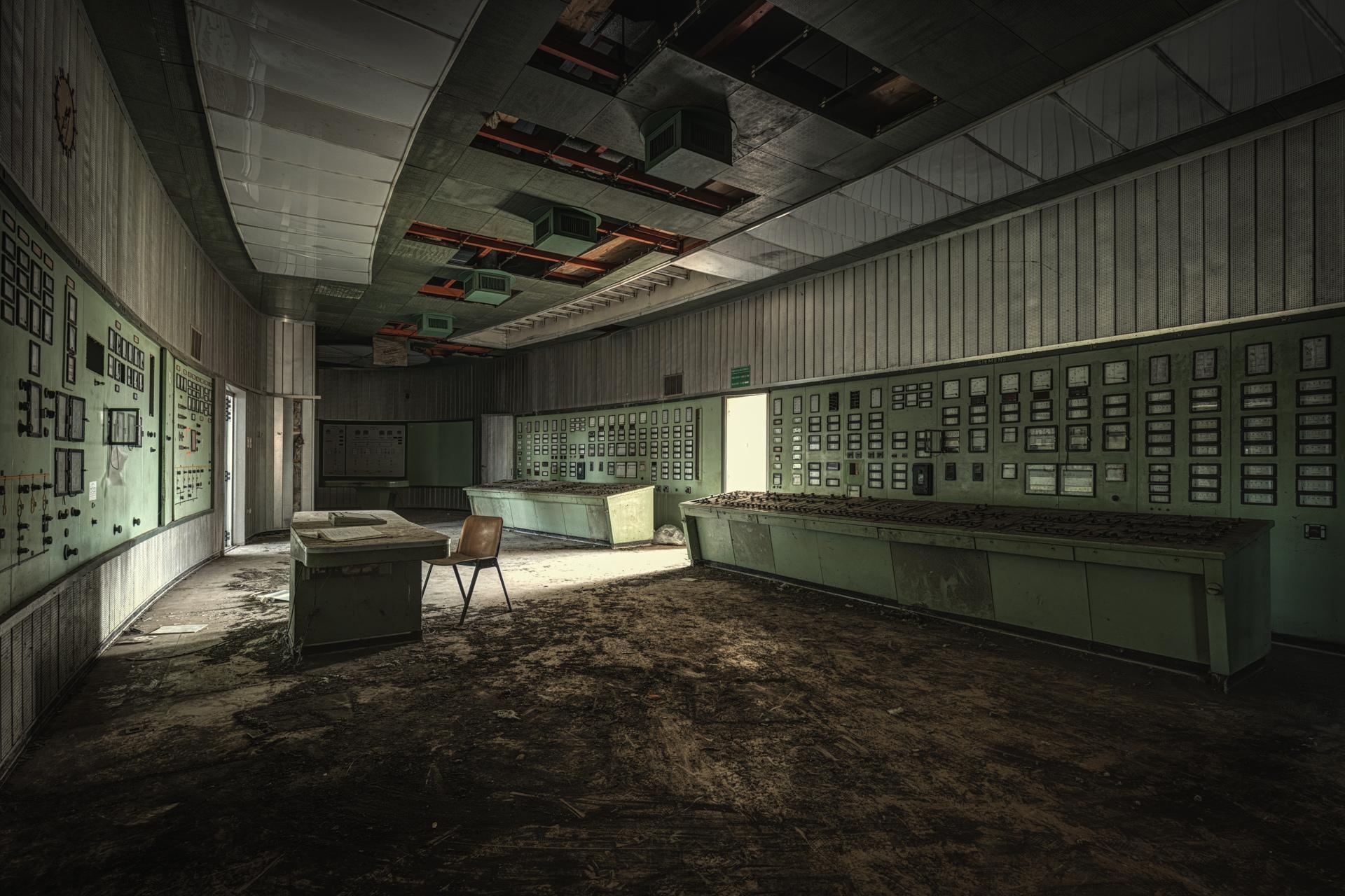 Urban Exploration - Powerplant Elettrica - Control Room 3