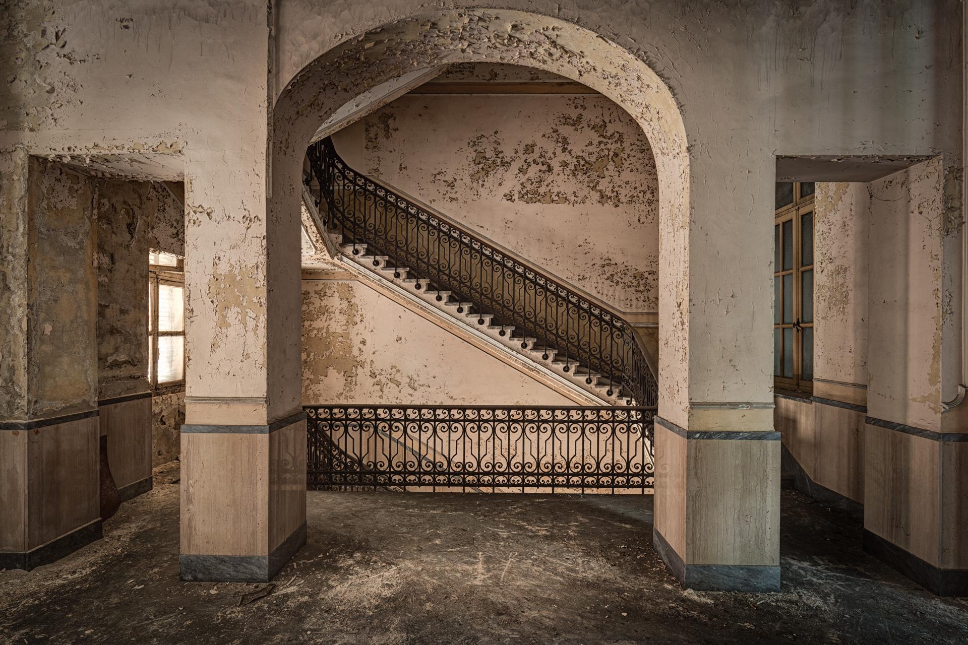 Urban Exploration - Manicomio Dr. Rossetti - Delicate Stairs