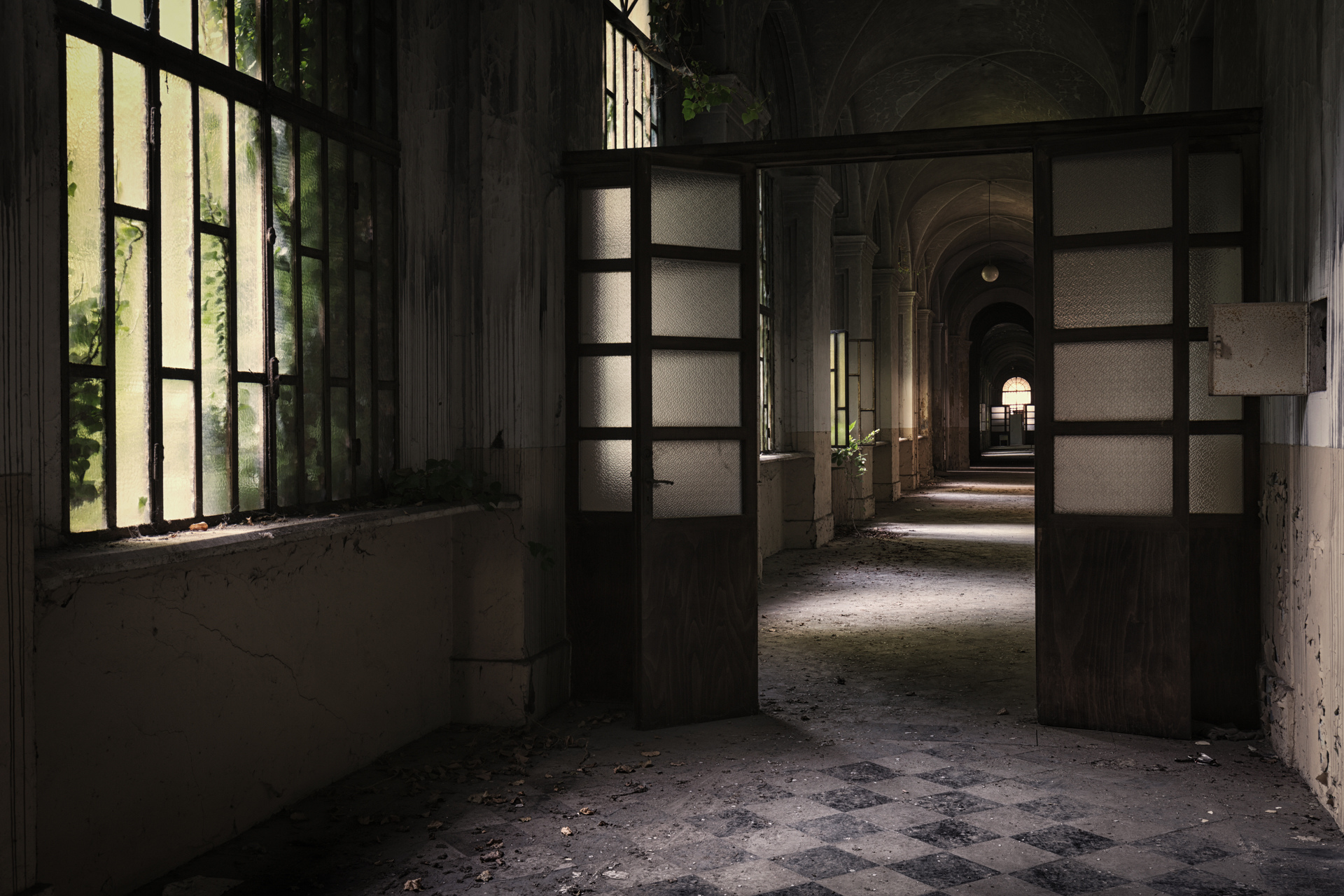 Urban Exploration - Manicomio Dr. Rossetti - Empty Corridor