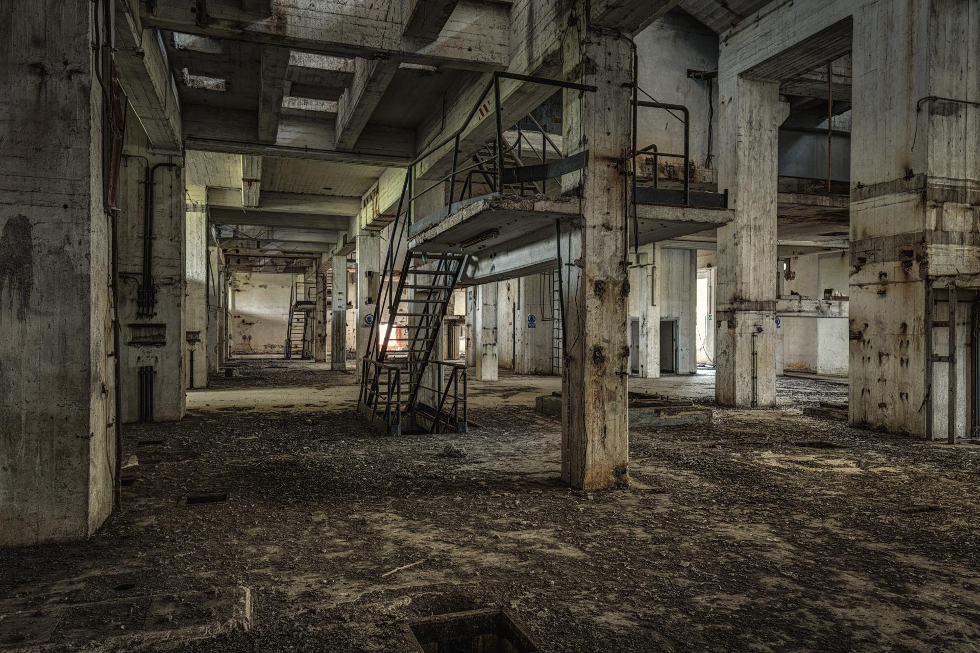 Urban Exploration - Powerplant Elettrica - Empty Industry
