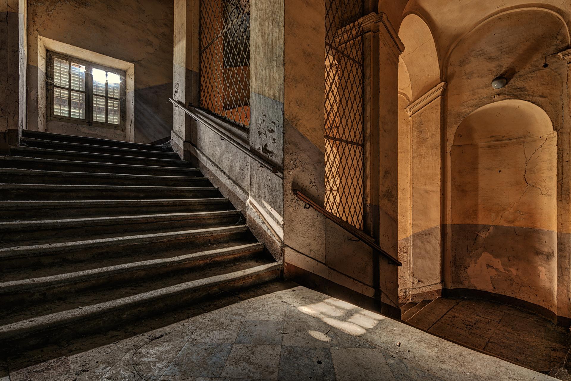 Urban Exploration - Manicomio Dr. Rossetti - Sunlit Staircase