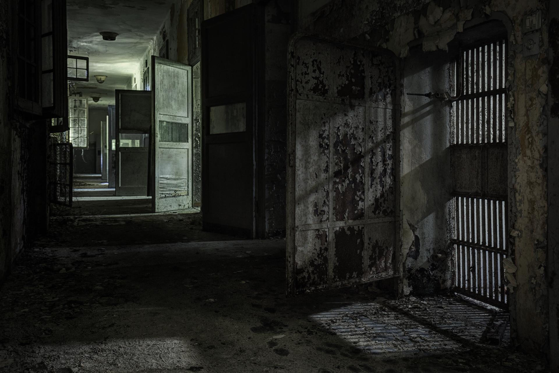 Urban Exploration - Manicomio Vendetta - Unlocked Away