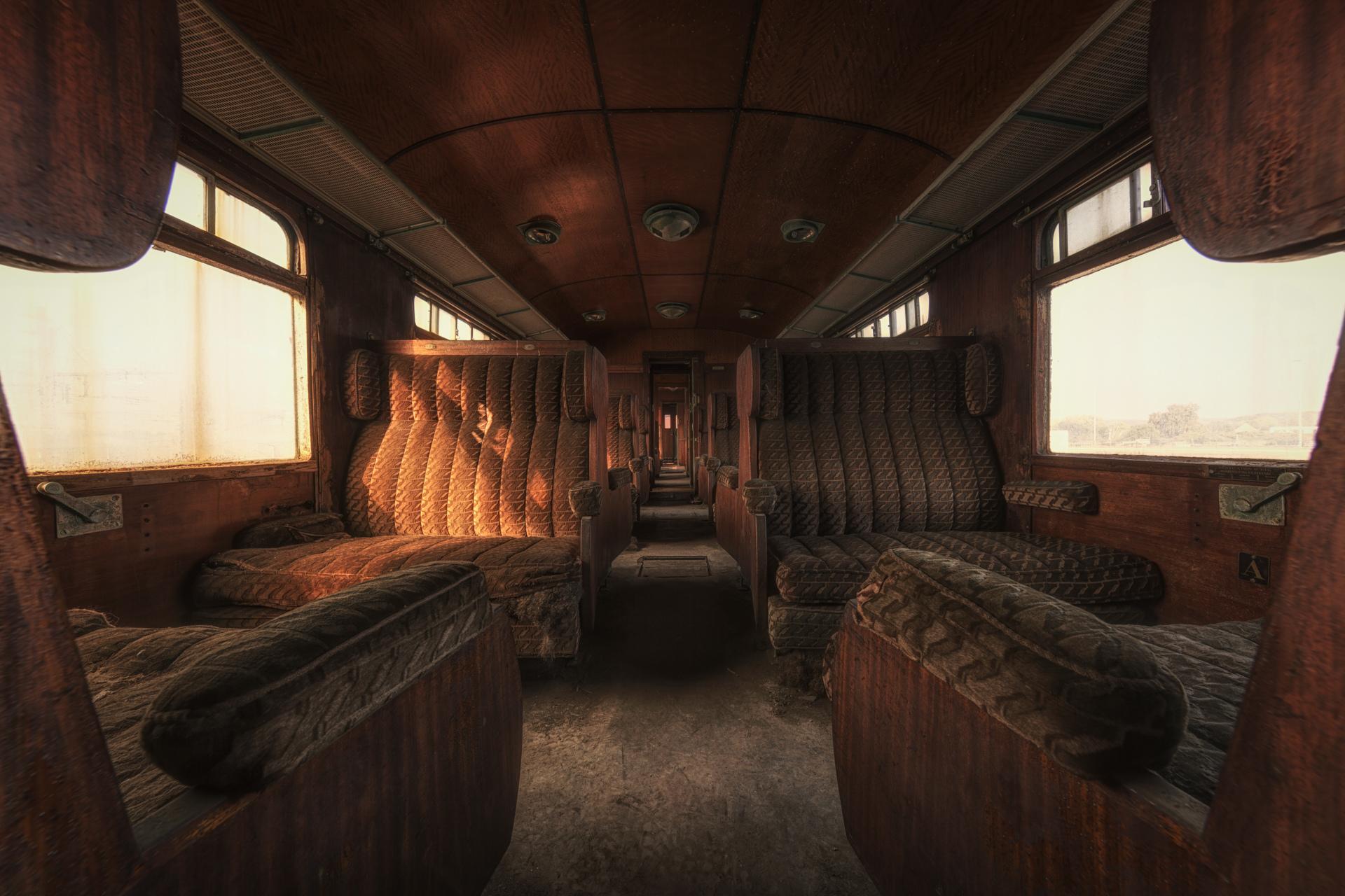 Urban Exploration - Orient Express - First Class