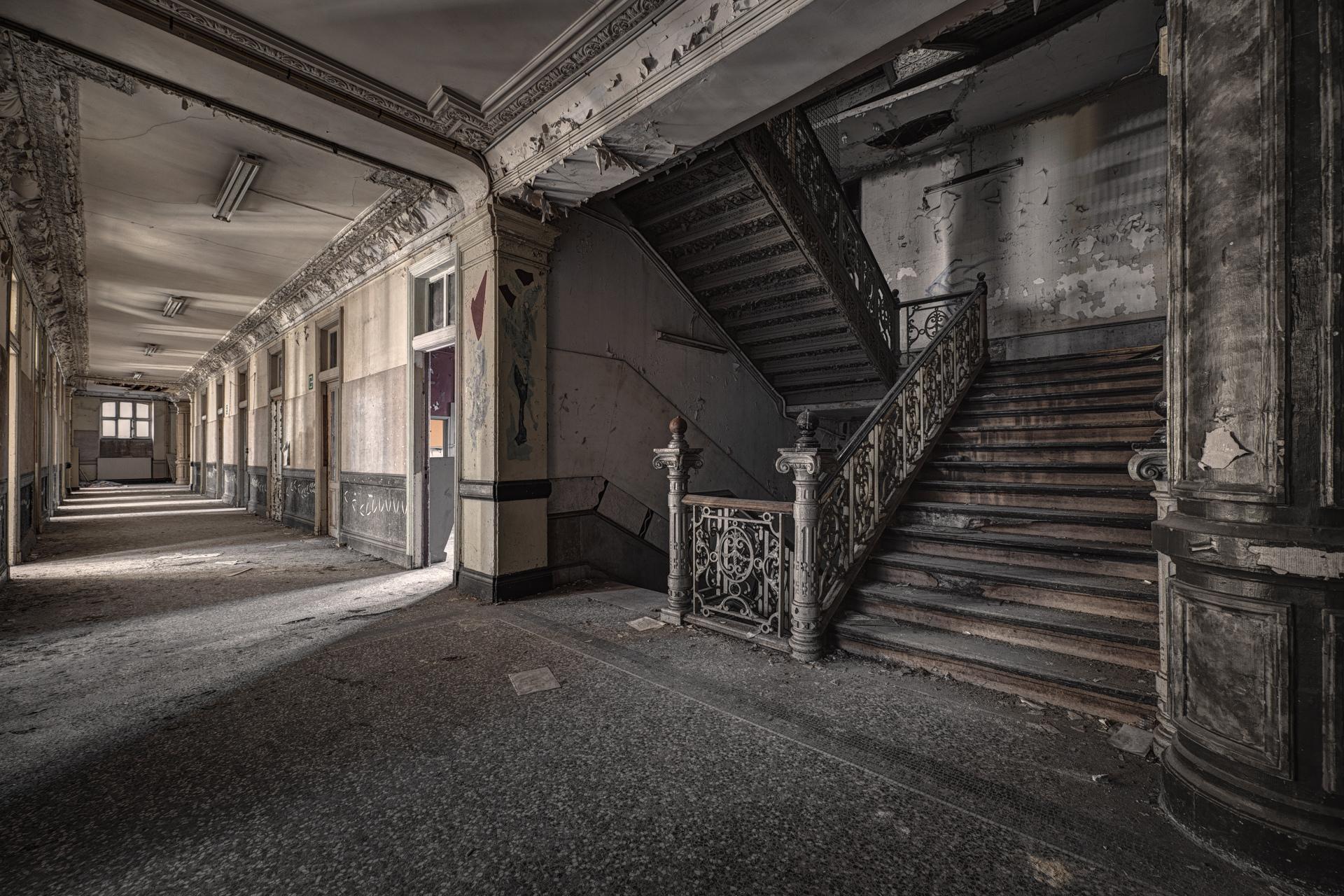 Urban Exploration - Pritzer Fac - Pritzker Staircase